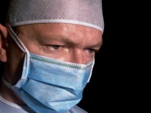 רשלנות רפואית בהרדמה לניתוח פלסטי בחזה